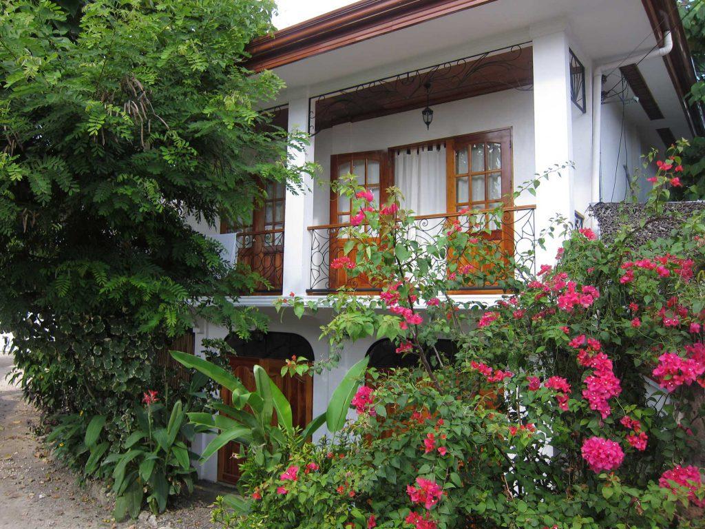 The Villa at Tipolo Beach resort Moalboal